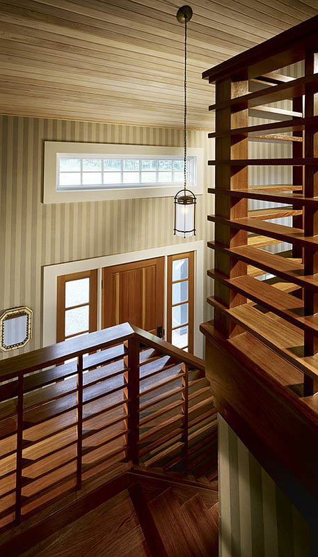 Wooden-Stairs-Railings.jpg