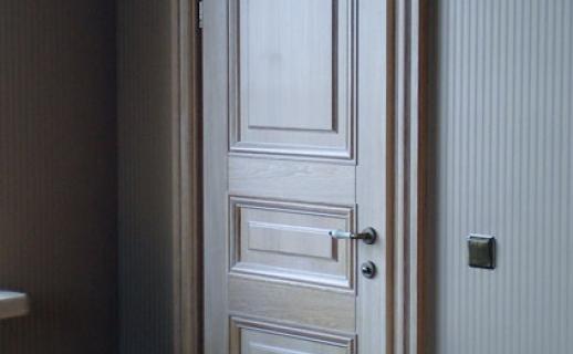 white-wooden-doors-3.