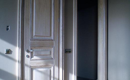white-wooden-doors-4